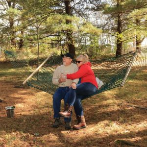 hocking-hills-cabin-rentals-hammock-tall-pines-at-boulders-edge-4