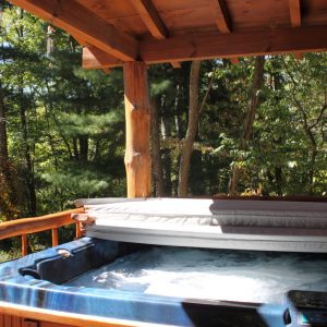 hocking-hills-cabin-rentals-hot-tub-tall-pines-at-boulders-edge-1
