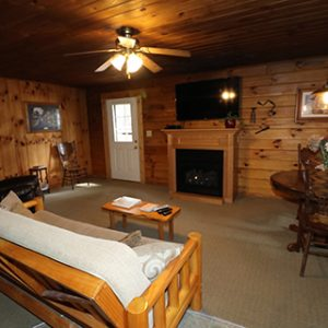 hocking-hills-cabin-rentals-tall-pines-at-boulders-edge-17