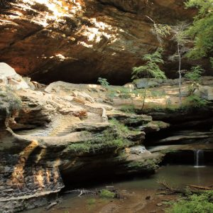 hocking-hills-rockbridge-state-nature-preserve-waterfalls-caves-tall-pines