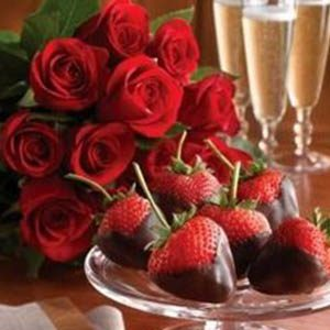 hocking-hills-romantic-cabin-packages-chocolate-covered-strawberries-champagne-roses-combo