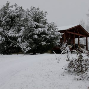 Cozy Winter Cabin Rental Ohio