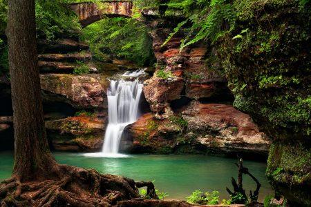 Hocking Hills Cabin Rentals near Waterfalls