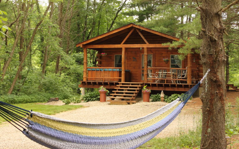 Ohio Cabin Rentals - Hike to a Rockbridge from your cabin