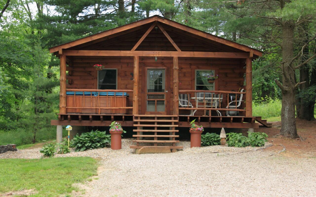 Hocking Hills Cabin Rental Tall Pines hot tub fireplace pet friendly